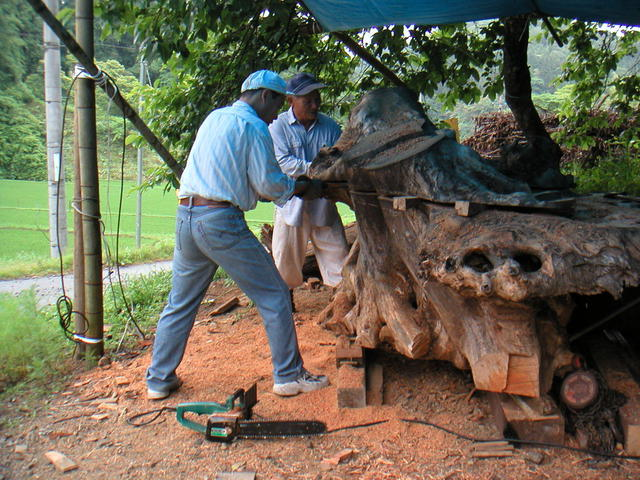2003年6月 欅のテーブル制作風景