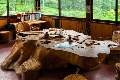 2011年7月2日 奥田國義さんの作ったケヤキのテーブル