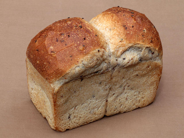 玄米パン 810円